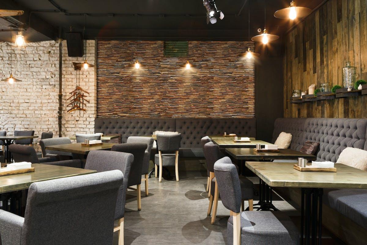 レストラン施工イメージ ウッドパネル アクセントウォール デザインウォール