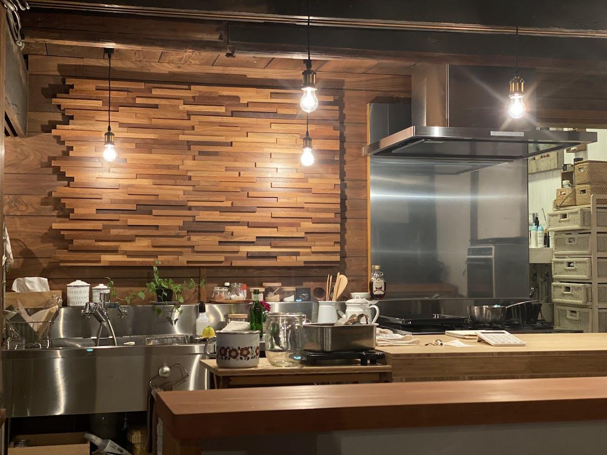 ウッドパネル「ティンバーブラウン」施工例  ウッドパネル ストーンパネル アクセントウォール デザインウォール